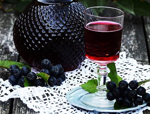 Настойка на черноплодной рябине на самогоне: лучшие рецепты