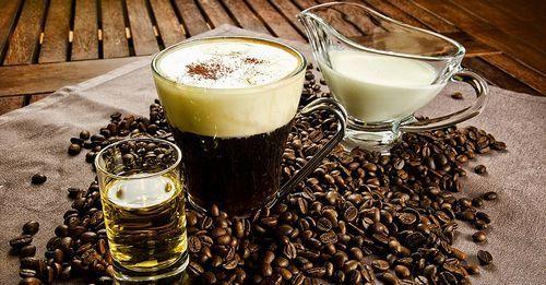 Кофе с алкоголем: рецепты с водкой, действие при похмелье