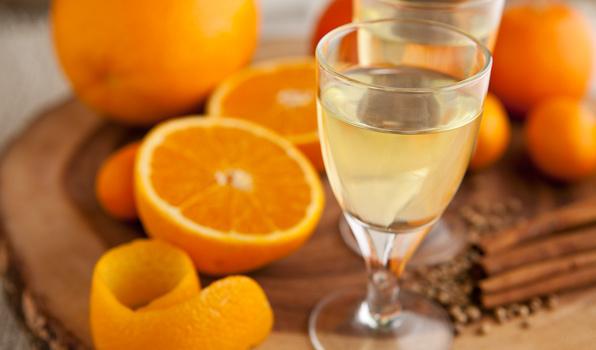 Самогон на апельсинах и их корочках: чем полезен, и как приготовить?