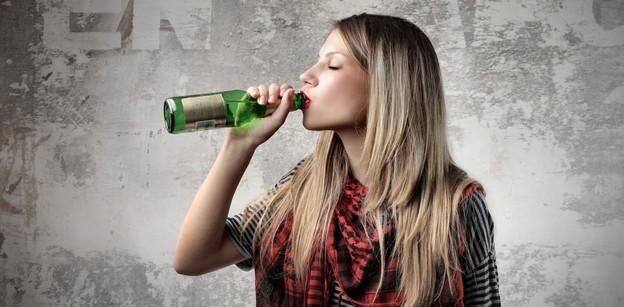 Передозировка алкоголем несет в себе серьезную опасность для здоровья