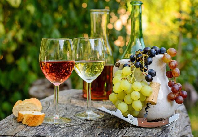 Вино красное сладкое: отзывы о производителях, правила выбора