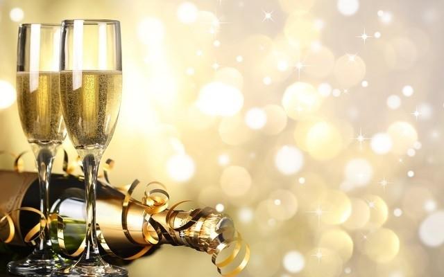 Тосты на Новый год: сборник новогодних поздравлений в стихах и прозе