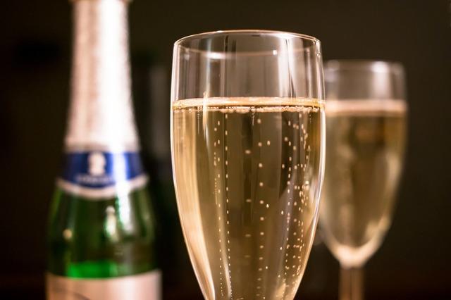 Стихи на алкогольную тематику: выпивка, застолье, веселье, похмелье и так далее