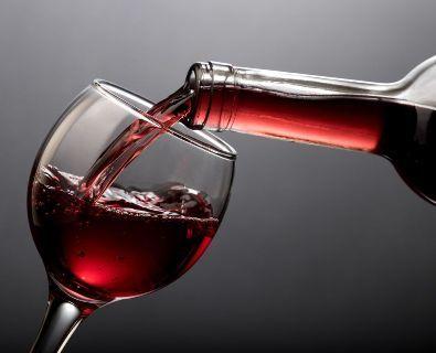 Красное вино повышает или понижает давление
