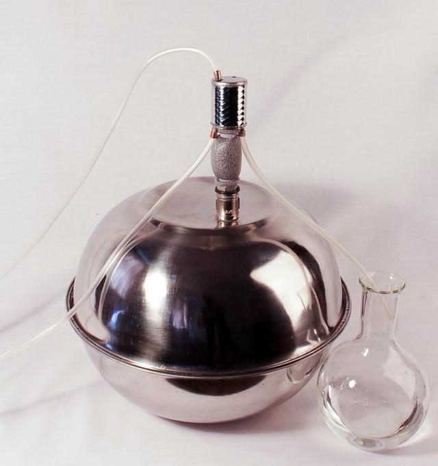 Модели маленьких самогонных аппаратов для небольшой кухни