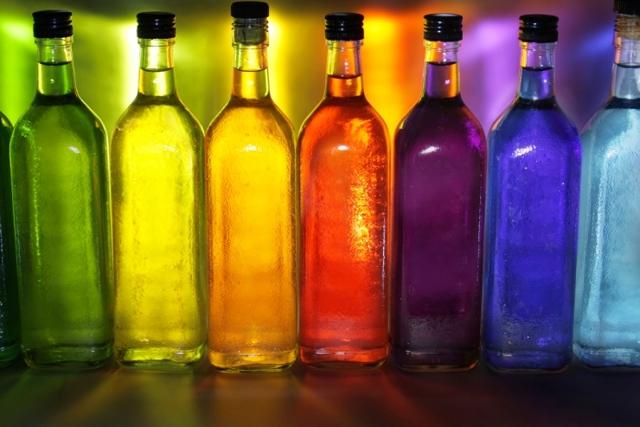 Чем закрасить самогон для получения разнообразия цвета и оттенков?