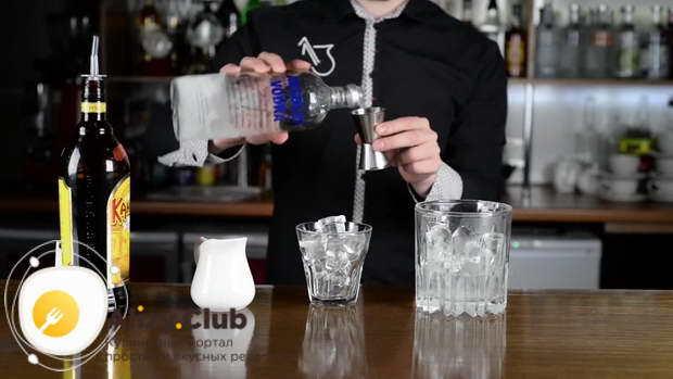 Белый русский коктейль: состав, пропорции и рецепт с фото
