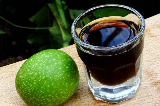Настойка грецкого ореха на водке или спирту: лучшие рецепты