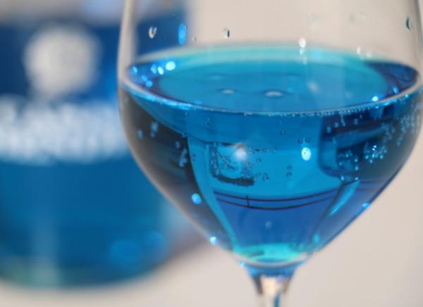 Голубое шампанское blue platino: обзор, характеристики, цены
