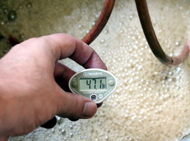 Самогон и его градусы, то есть как регулировать крепость продукта?