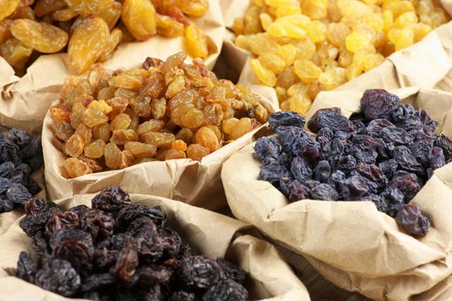 Самогон на изюме: лучшие рецепты приготовления