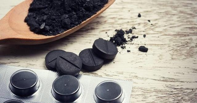 Активированный уголь при похмелье поможет вывести токсины из организма