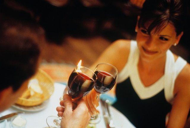 Короткие тосты: смешные и прикольные, мужские и женские