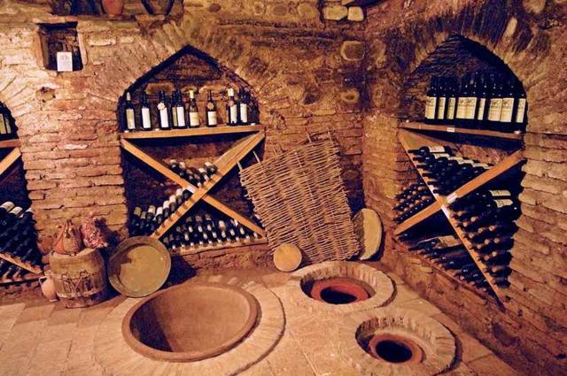 Саперави вино красное сухое, белое полусладкое, столовое и другие