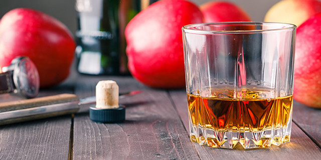 Как самому приготовить кальвадос: рецепты яблочного бренди