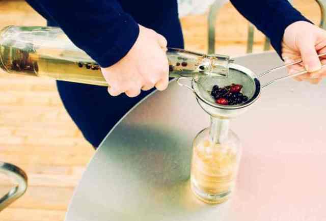 Самогон на можжевельнике: лучший рецепт приготовления