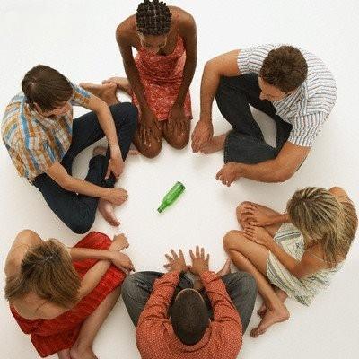 Игры с алкоголем для шумных и веселых компаний