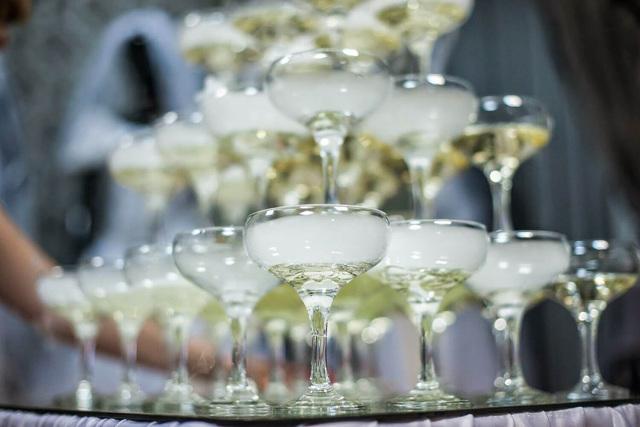 Бокал для шампанского: каким он должен быть, обзор