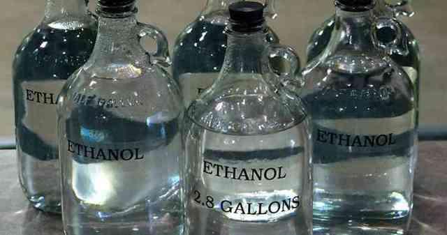 Крепление домашнего вина самогоном, спиртом, водкой