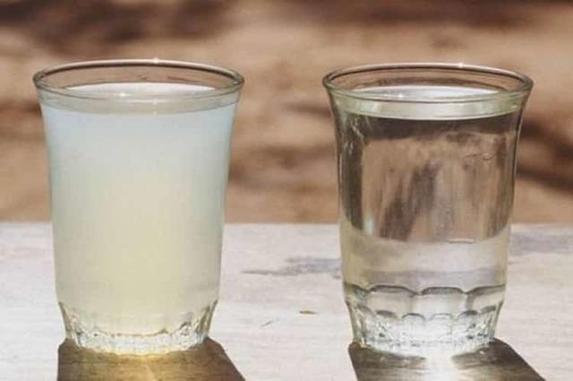 Очистка самогона молоком: польза и вред данного метода