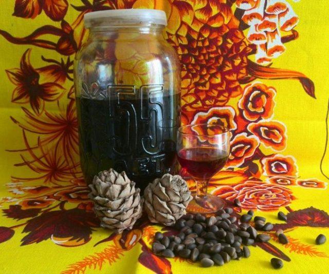 Самогон на кедровых орешках: польза и вред сибирского напитка