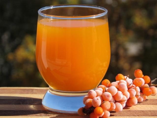 Самогон из облепихи: готовим и сохраняем полезные вещества ягод