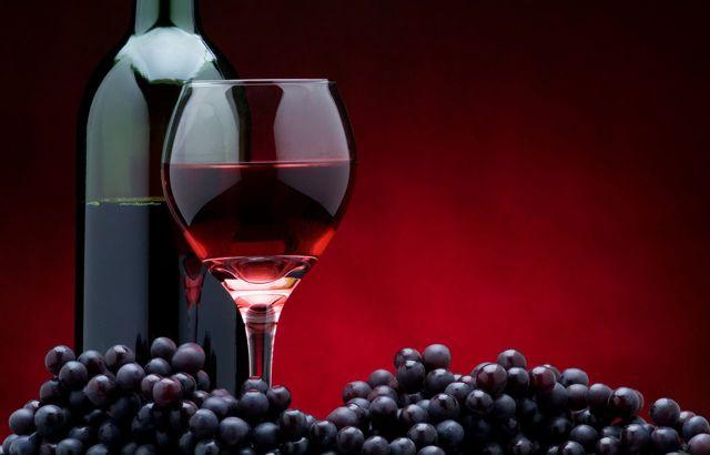 Как добавить спирт в вино