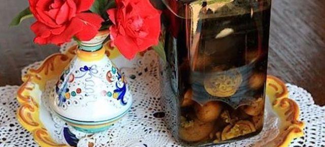 Настойка зеленого грецкого ореха: рецепты, применение, свойства