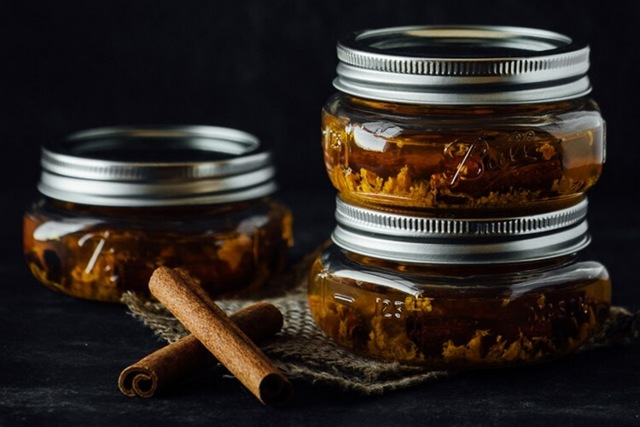 Корица в самогоне: представляем шесть лучших рецептов