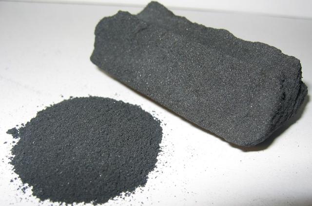 Очистка самогона углем: рассмотрим простой метод фильтрации