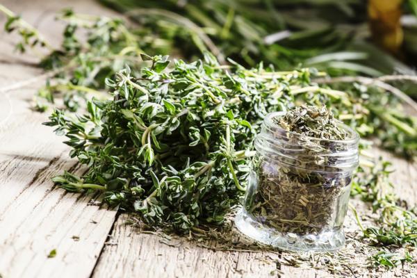 Настой самогона на кореньях и травах: лучшие рецепты для гурманов