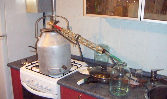 Стеклянный самогонный аппарат: описание, плюсы и минусы