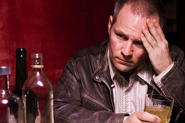 Если краснеет лицо от алкоголя: причины, последствия, как избавиться от недуга