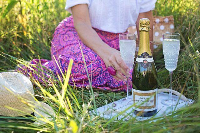Можно ли вино при грудном вскармливании, шампанское, пиво