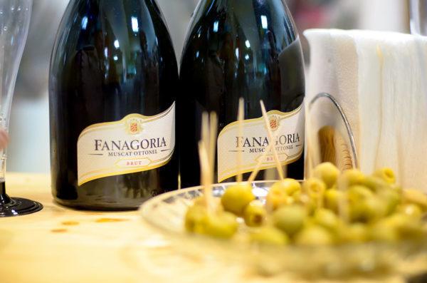 Красное игристое вино и белое игристое вино: обзор видов и марок