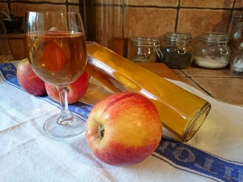 Настойка на яблоках, наливка, ликер: рецепты напитков из яблок