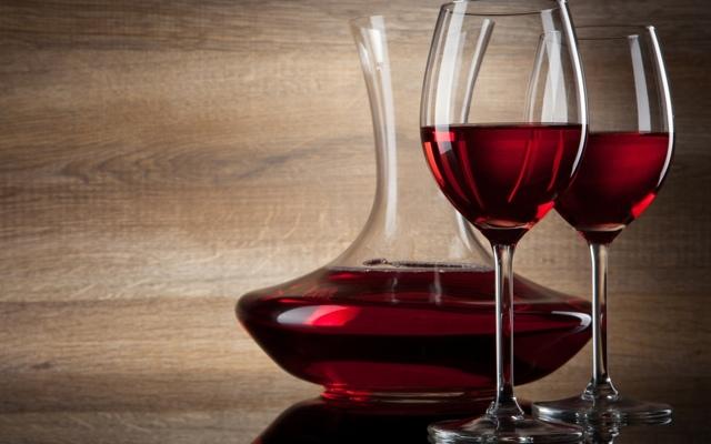 Какое вино полезнее белое или красное: качества вин