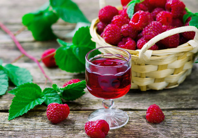 Настойка малиновая на водке: готовим чудесный напиток
