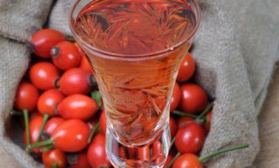 Самогон на шиповнике: классический рецепт приготовления