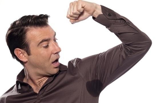 Почему с похмелья потеешь и как прекратить обильное потовыделение?