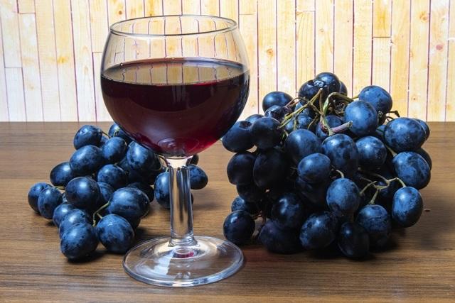 Домашнее сухое вино: выбираем самый простой рецепт