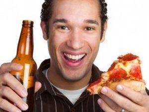 Алкоголь при подагре употреблять можно, но в очень ограниченных дозах