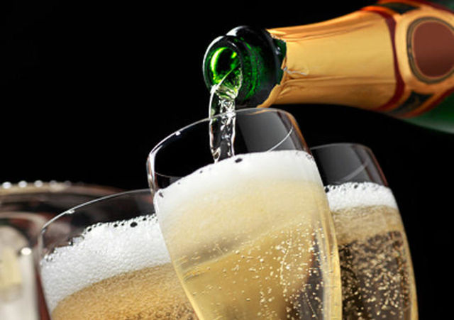 При какой температуре замерзает вино, шампанское, водка