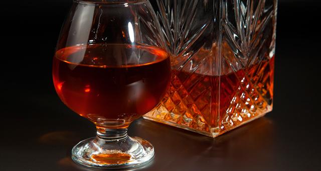 Как правильно выбрать рюмки для ликера и бокалы для вина