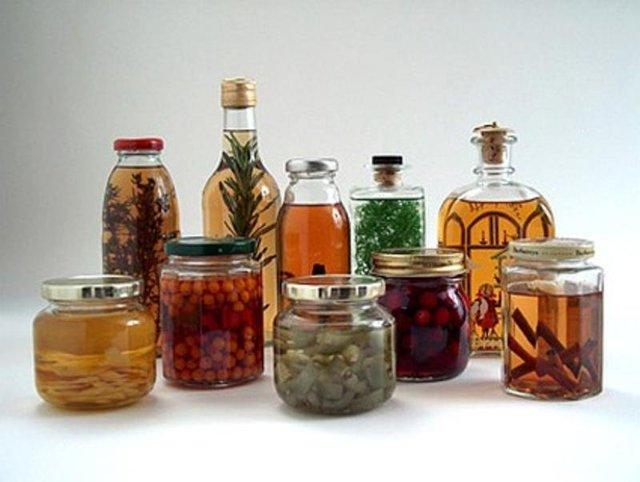 Кедровая настойка на водке: рецепты приготовления и польза напитка