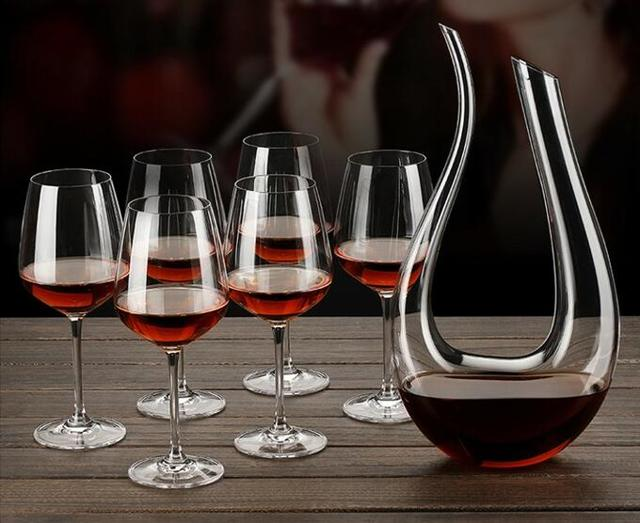 Декантер для вина используется для декантации