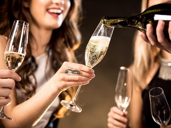Чем отличается шампанское от игристого вина: основные признаки